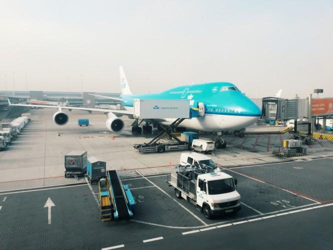 Plane to tokyo